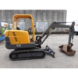 Escavatore Volvo EC 25 usato